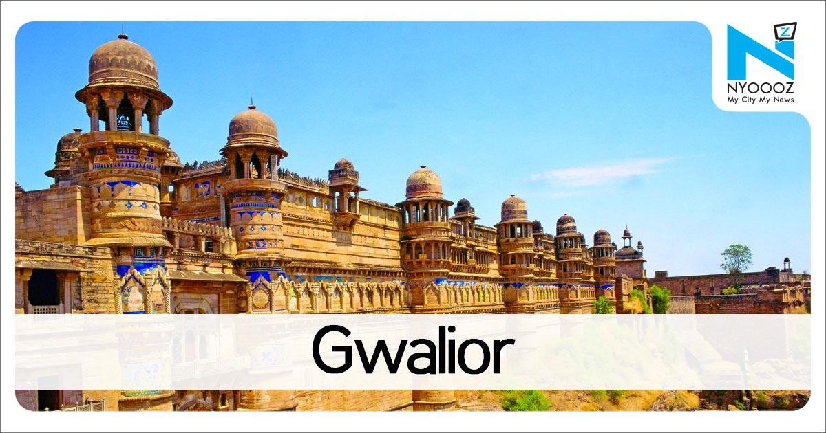 मध्य प्रदेश (Madhya Pradesh) के गवालियर (Gwalior) जिले मेंगणेश चतुर्थी (Ganesh Chaturthi) के मौके पर सभी गणेश मंदिरों में सुबह से ही भक्तों का तांता लगा हुआ है